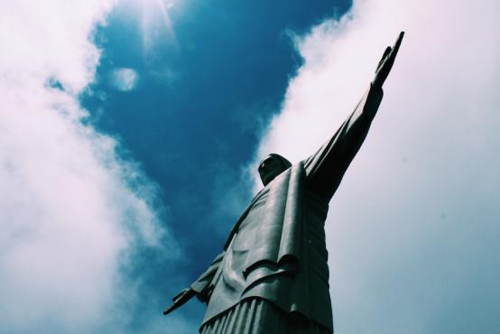 İsa heykeli